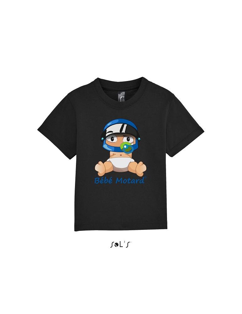 Tee-shirt noir en coton avec le bébé motard assis portant un casque bleu - Devant avec le dessin