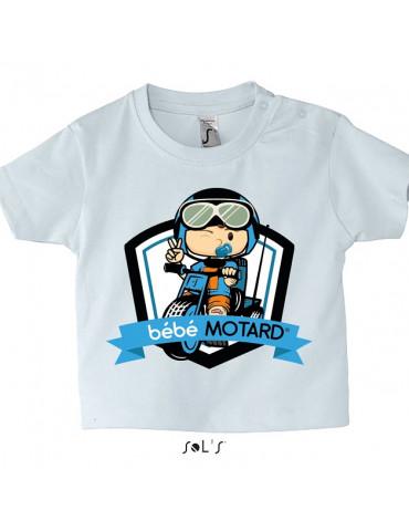 Tee-shirt Bébé Motard Mosquitos - vue de face avec le motif Tricycle Bleu - couleur blanc