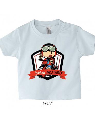 Tee-shirt Bébé Motard Mosquitos - vue de face avec le motif Tricycle rouge - couleur blanc