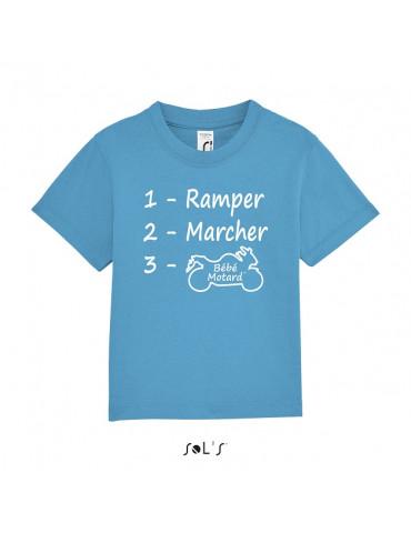 Tee-shirt Bébé Motard Mosquitos - vue de face avec le motif evolution d'un bébé motard - couleur bleu