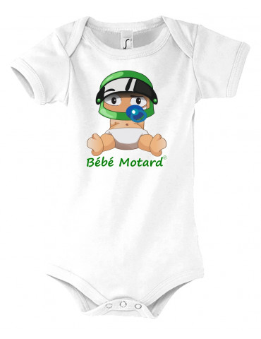 Body Bébé Motard - vue de face avec le Bébé Assis et son casque vert - couleur  blanc - Coton biologique - Organic Bambino
